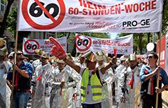 Eine Demonstration gegen 12-Stunden-Arbeitstag