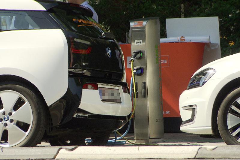 E-Tankstelle Elektrotankstelle tanken Tankstelle