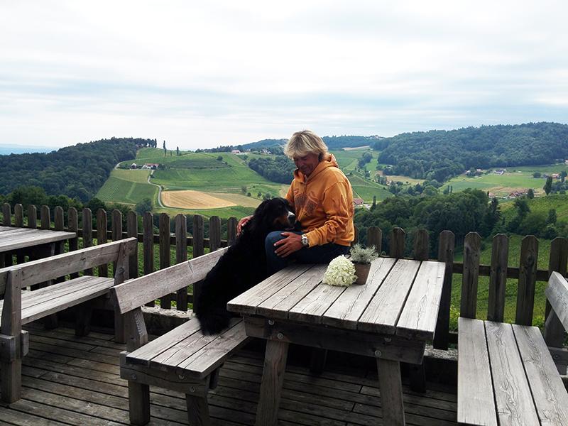 Hansi Hinterseer mit Berner Sennenhund Ustin