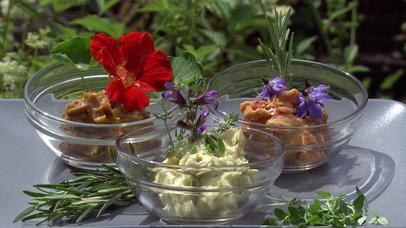Grillbutter in verschiedenen Geschmacksrichtungen