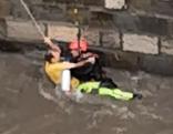 Arbeiter aus Wienfluss gerettet