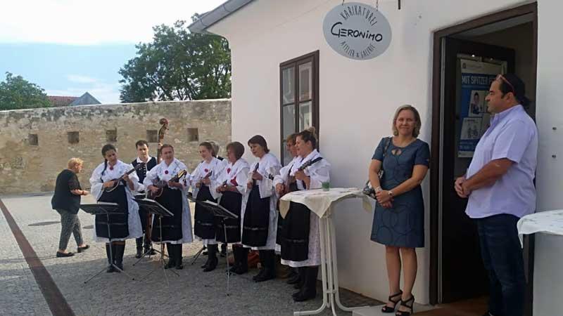 Otvaranje izložbe Danice Farkaš u Rušti