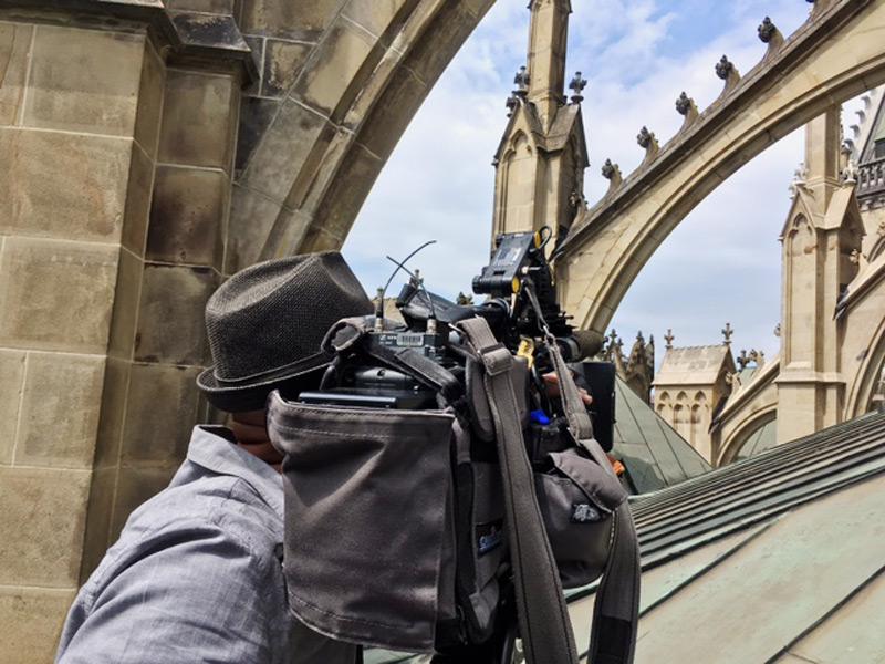 ORF-Kameramann Afshin Amin auf dem Domdach