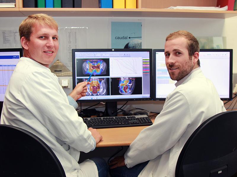 Philipp Szeverinski und Matthias Kowatsch vom Institut für Medizinische Physik des LKH Feldkirch