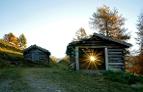Hütte in Tirol mit Sonne