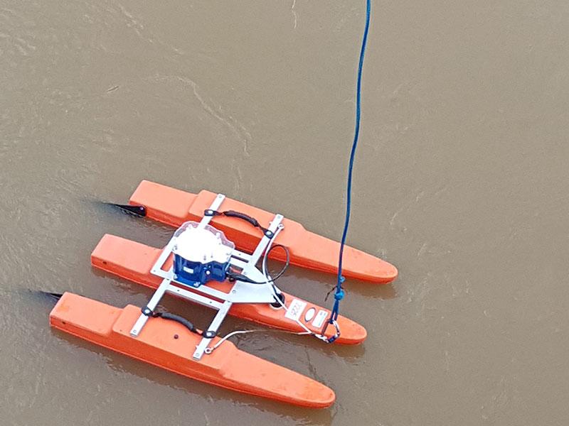 Wassermessung mit Ultraschallboot