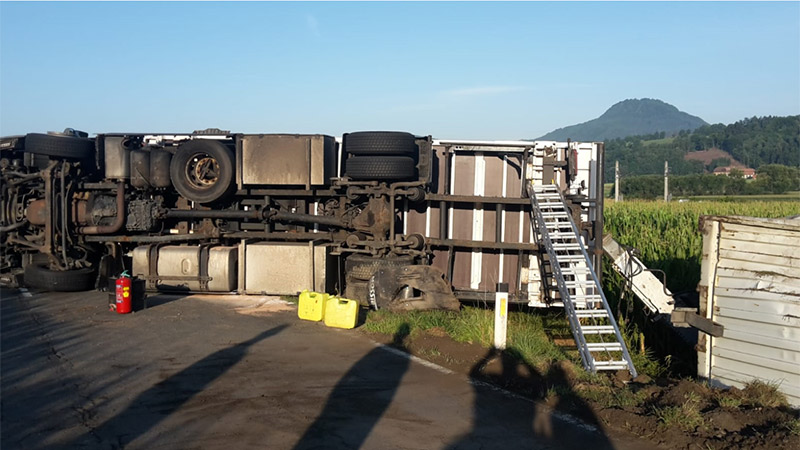 Unfall Sattelzug Zollfeldstraße