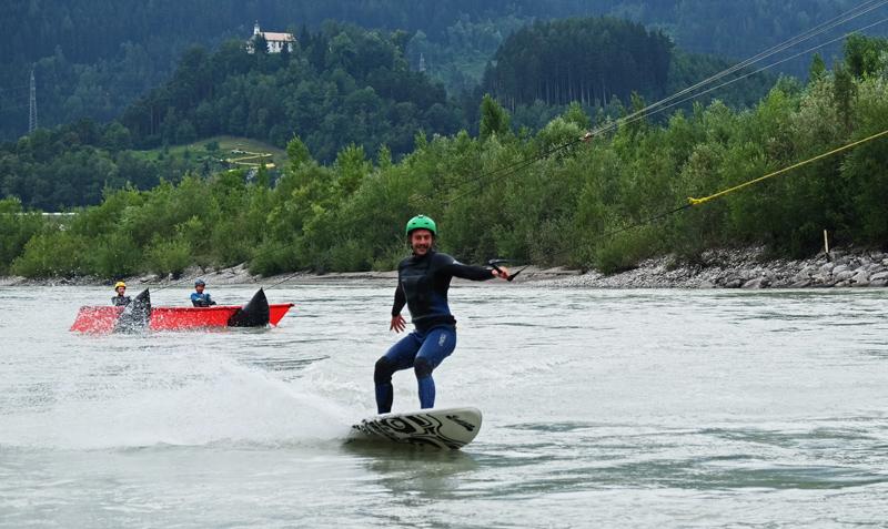 Surfer am Inn