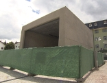 Eckiger Musikpavillon aus Beton