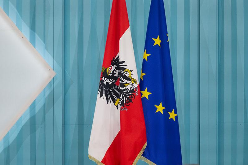 Fahnen Österreich und EU