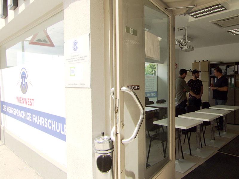 Fahrschule Mahdalik Türkisch