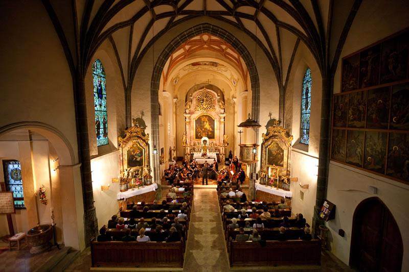 Zu den Austragungsorten gehören neben der  Pfarrkirche St. Gallen auch die Burg Gallenstein oder die Volksschule St. Gallen.