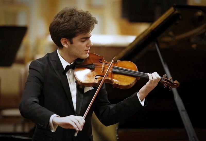 Der 22-jährige Geiger -  Emmanuel Tjeknavorian wird als Solist mit dem Violinkonzert in  g-moll von Wolfgang Amadeus Mozart am 11. August das Festival eröffnen.