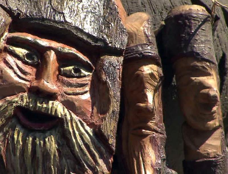 Franz Riedl aus Preding schnitzt Unikate aus Holz