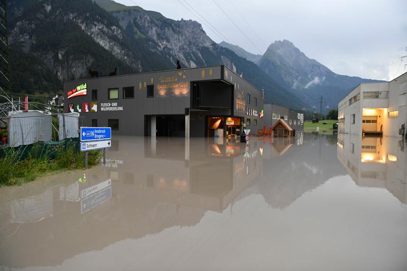 Überflutetes Gewerbegebiet