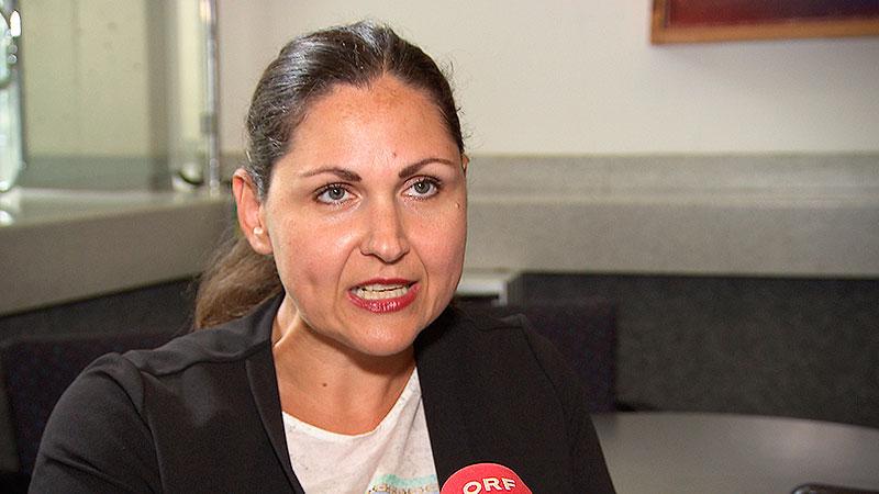 Angelika Breser aus Sigleß Beraterin der 24-Stunden Frauen-Notrufstelle in Wien