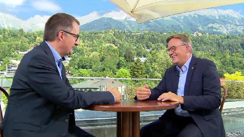 Günther Platter beim ORF Tirol Sommergespräch mit Robert Unterweger