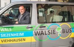 regionalwährung walsie mit bürgermeister joachim maislinger