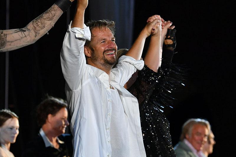 Philipp Hochmair nach Jedermann Vorstellung bei den Salzburger Festspielen