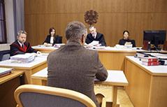 Angeklagter Arzt vor Gericht