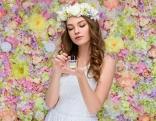 Frau schönes Haar Parfum