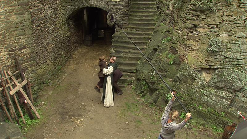 Ruzowitzky Verfilmt Hesse Auf Burg Hardegg Noeorfat