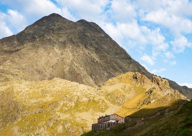 Habicht mit Innsbrucker Hütte