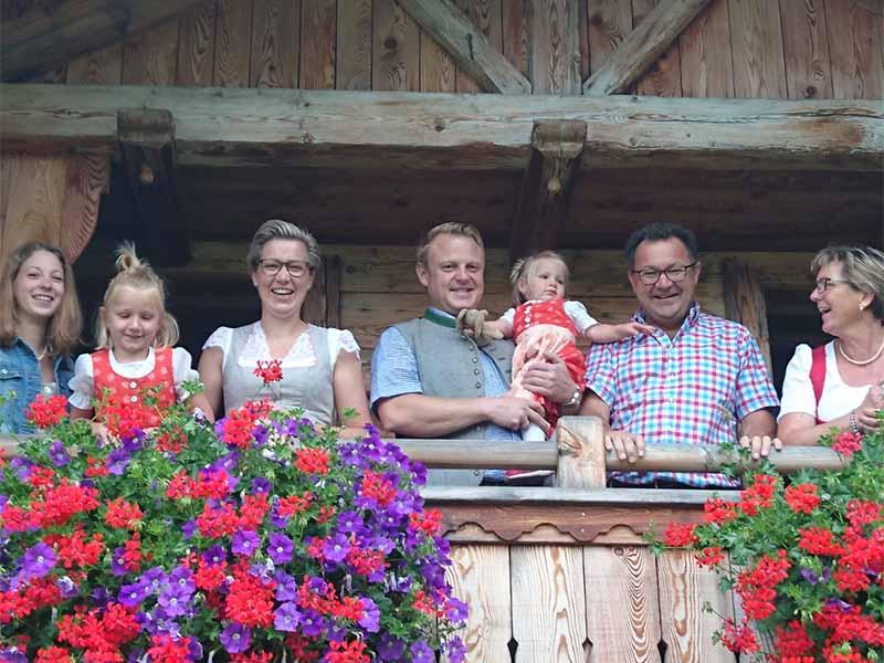 Familie Weissbacher, Almleute von der Poschnhütte in Hintersee