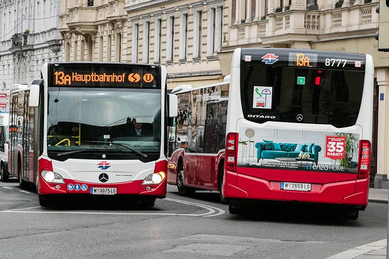 Busse der Linie 13A