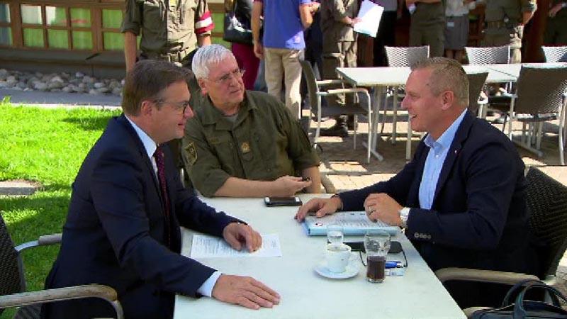 Landeshauptmann Günther Platter, Militärkommandant Herbert Bauer, Verteidigungsminister Mario Kunasek
