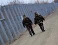 Bewachung der unagrisch-serbischen Grenze nahe des Dorfes Röszke