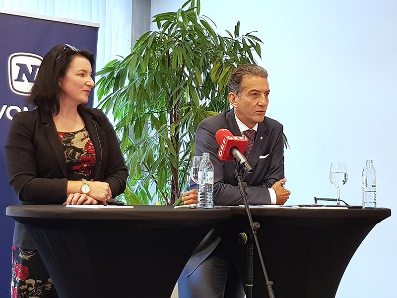Anna Kleissner, Forschungsleiterin Wirtschaftsinstitut Economica, und Harald Neumann, Vorstandsvorsitzender von Novomatic