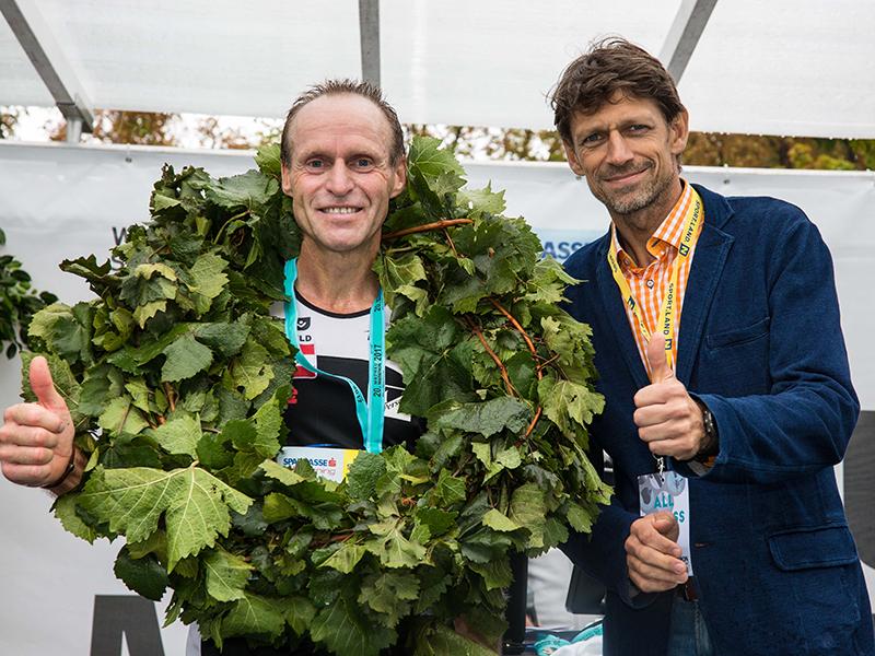 Veranstalter Michael Buchleitner mit Marathon-Titelverteidiger Wolfgang Wallner