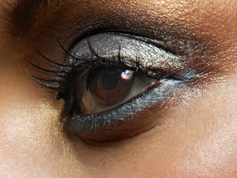Auge Frau geschminkt schminken