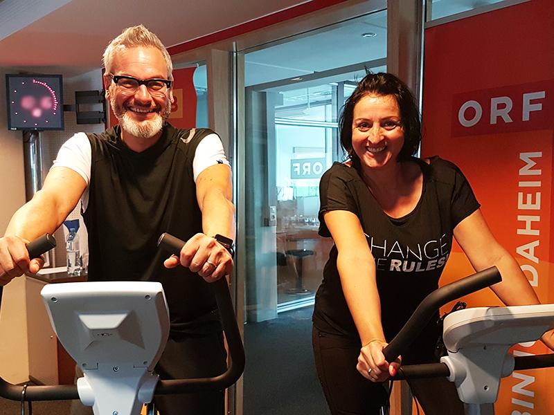 Thomas May und Veronika Berghofer auf den Hometrainern