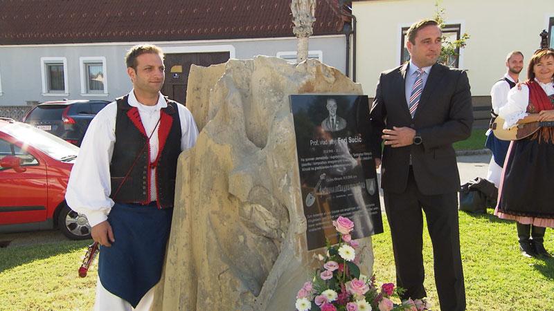 Klimpuh spomentabla Feri Sučić