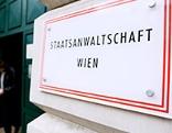 """Schild mit """"Staatsanwaltschaft Wien"""""""