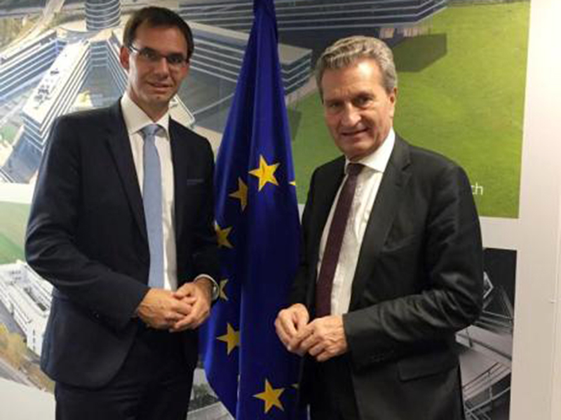 """Landeshauptman Markus Wallner vertritt bei der Plenartagung des """"Ausschuss der Regionen"""" in Brüssel die Interessen Vorarlbergs und sagt: """"Wir müssen Europa stärker regional ausrichten""""."""