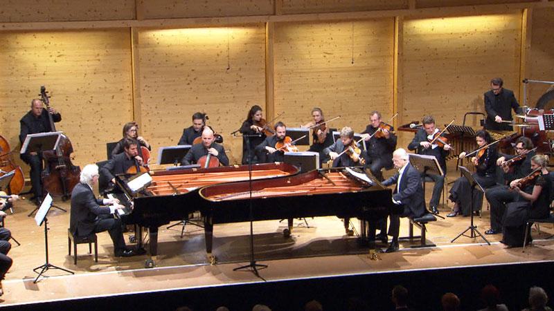 Kutrovatz-Brüder bei einem Konzert