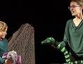 Radovedni slonček lutkovna predstava lutke Celovčani SKD