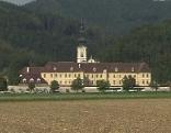 Stift Rein Außenansicht, Basilika mit Pater August Janisch und Bibliothek