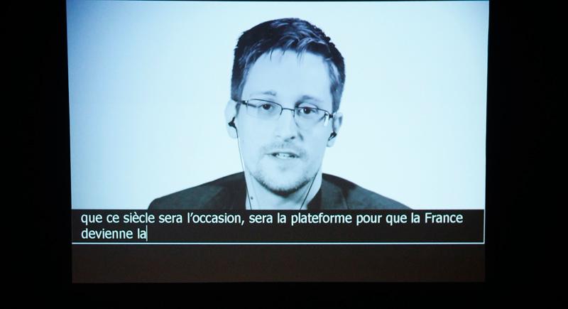 Snowden zugeschaltet bei einer Veranstaltung in Frankreich
