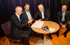 AK-Direktor Thomas Lehner, AK-Präsident Gerhard Michalitsch, Landesrat Hans Peter Doskozil und KBB-Geschäftsführer Wolfgang Kuzmits