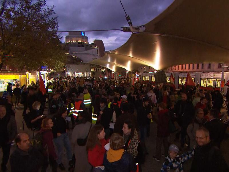 """Demo Freitag Wien Detail: Donnerstagsdemo Wurde """"Dönerstag-Demo"""""""