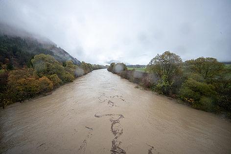 Hochwasser führende Drau