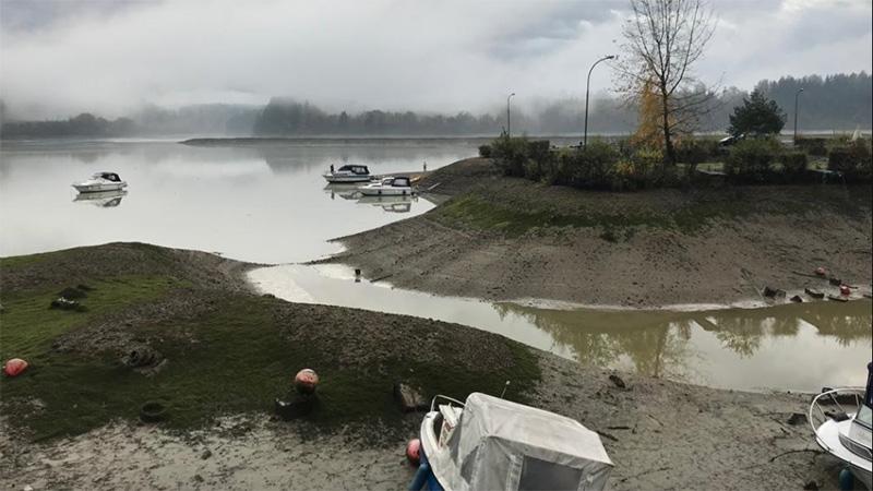 Völkermarkter Stausee abgesenkt Boote gestrandet