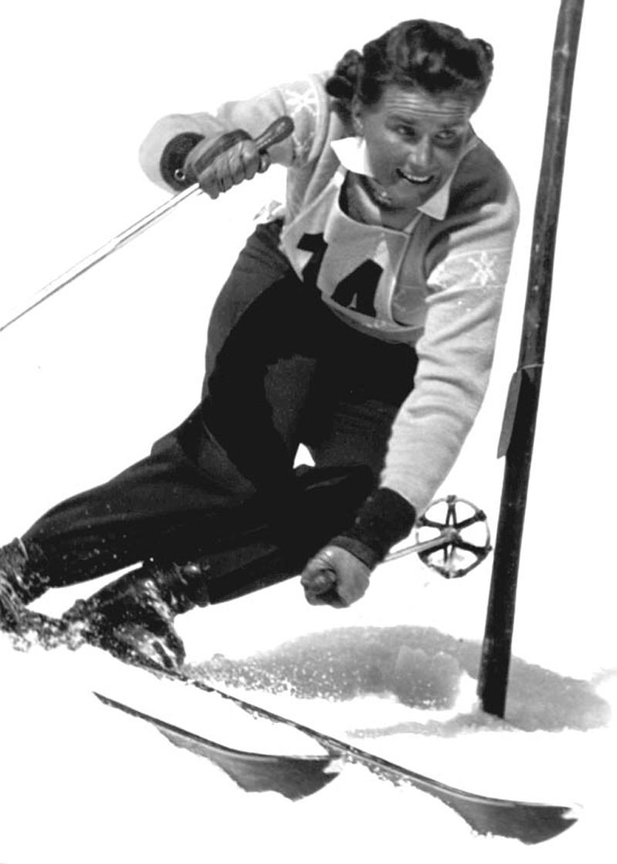 Mahringer im Skidress