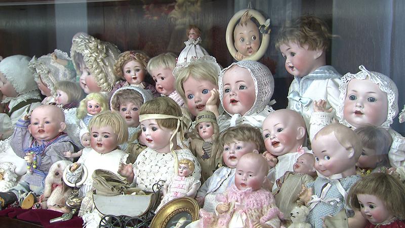 Puppen und Burg