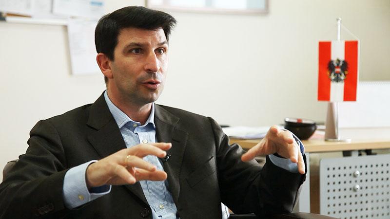 Österreichische Botschafter in Georgien Arad Benkö