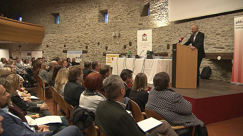 Friedenskonferenz auf Burg Schlainig